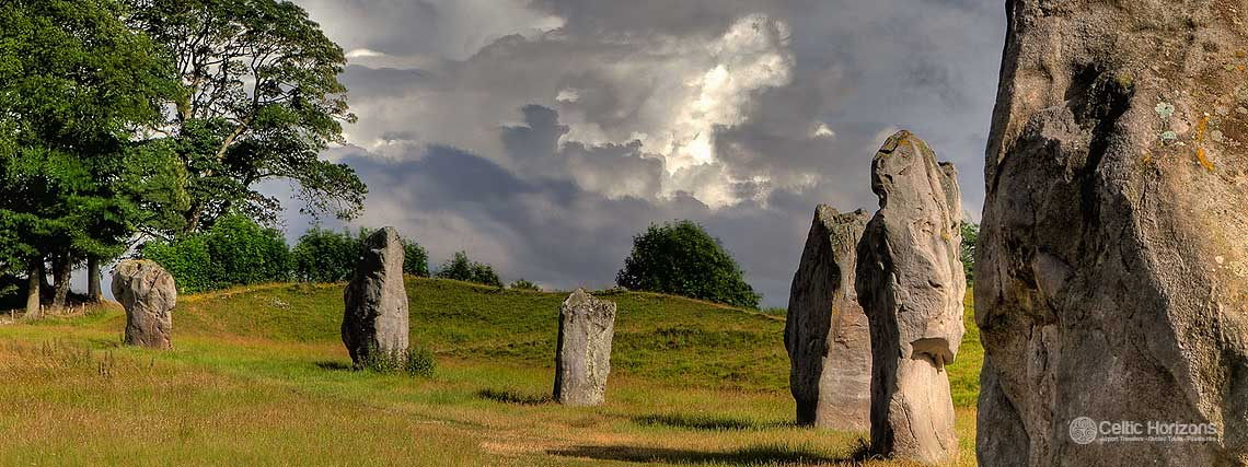 Avebury - guided taxi tours to Avebury from Bath and the West of England