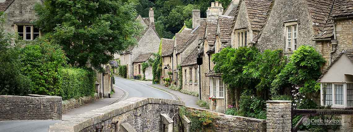 Castle Combe - guided taxi tours to Castle Combe from Bath and the West of England