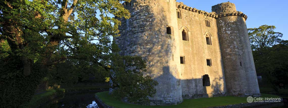 Nunney Castle - guided taxi tours to Nunney Castle from Bath and the West of England